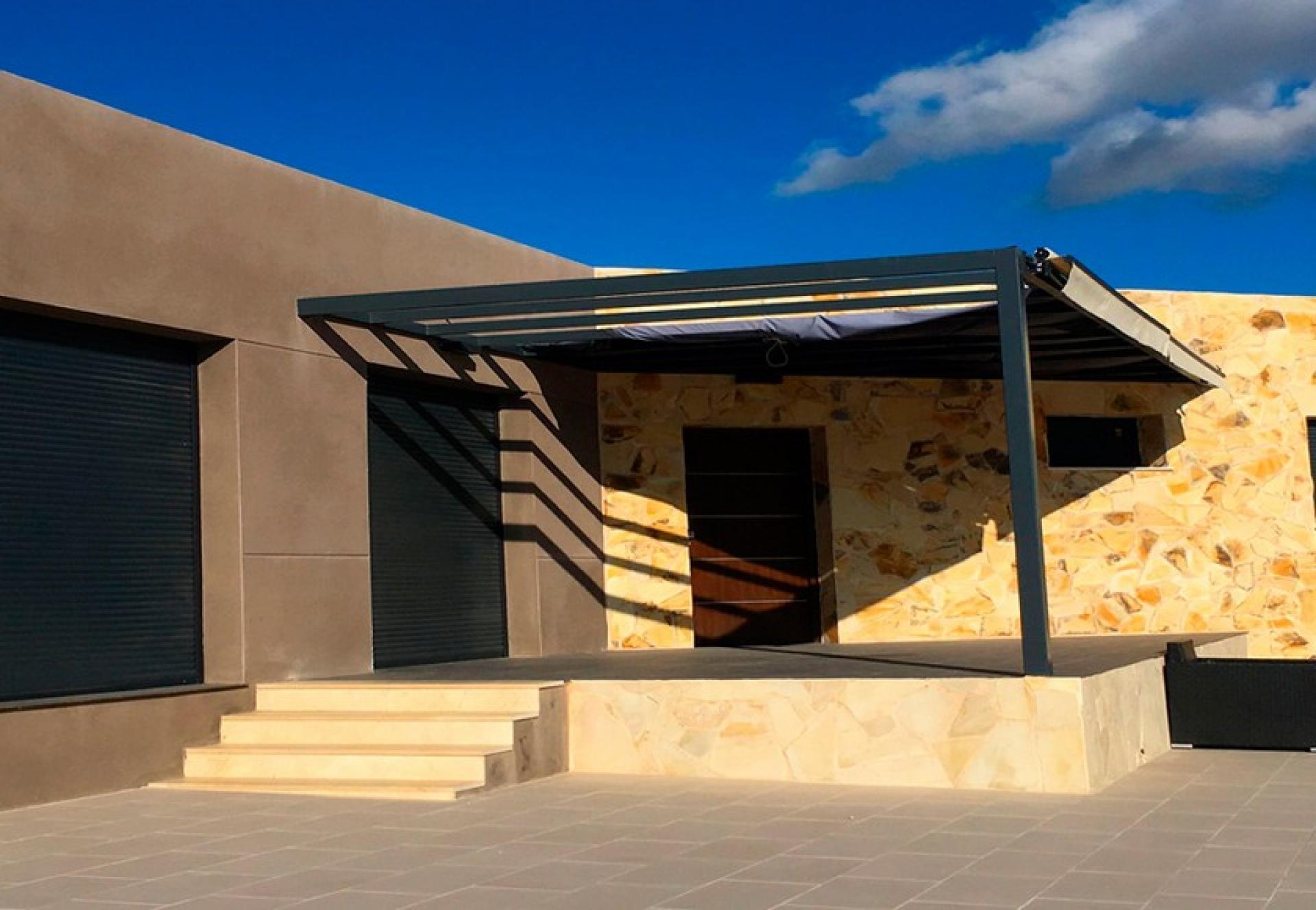 Hyper moderne Spaanse villa te koop in La Romana in Medvilla Spanje