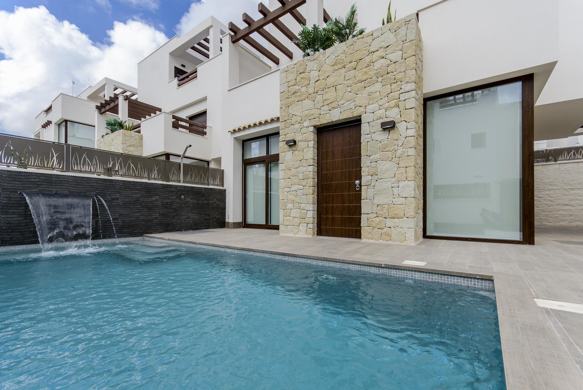 Verbluffende vrijstaande villa in Ciudad Quesada, Laguna Azul in Medvilla Spanje