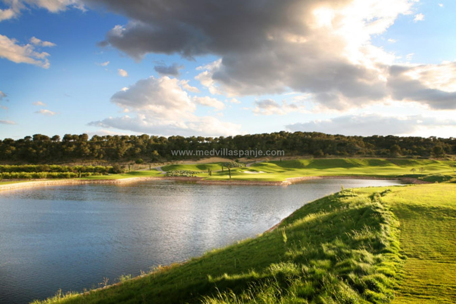 Exclusieve villa op luxueus golfdomein, Costa Blanca Zuid in Medvilla Spanje