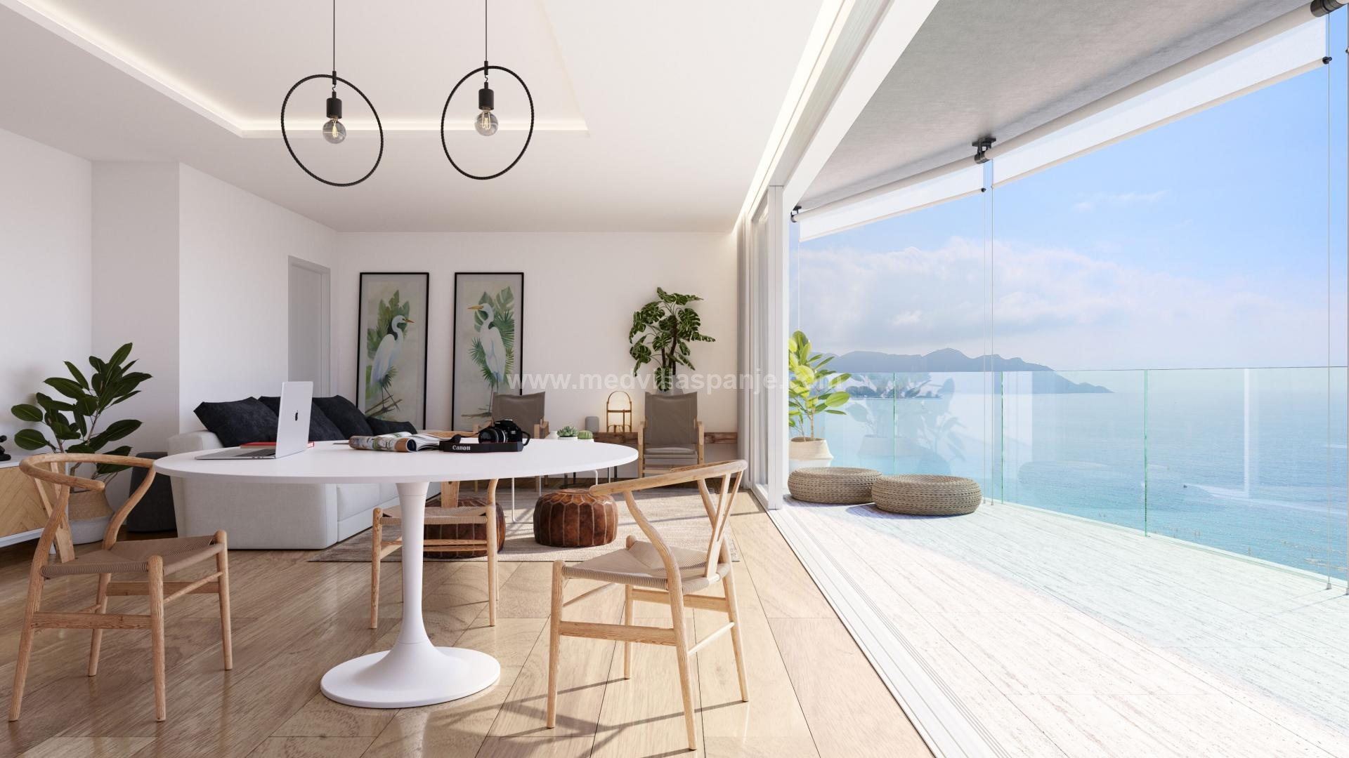 Luxe Appartement te koop Spanje, ruim terras 1° lijn strand in Medvilla Spanje