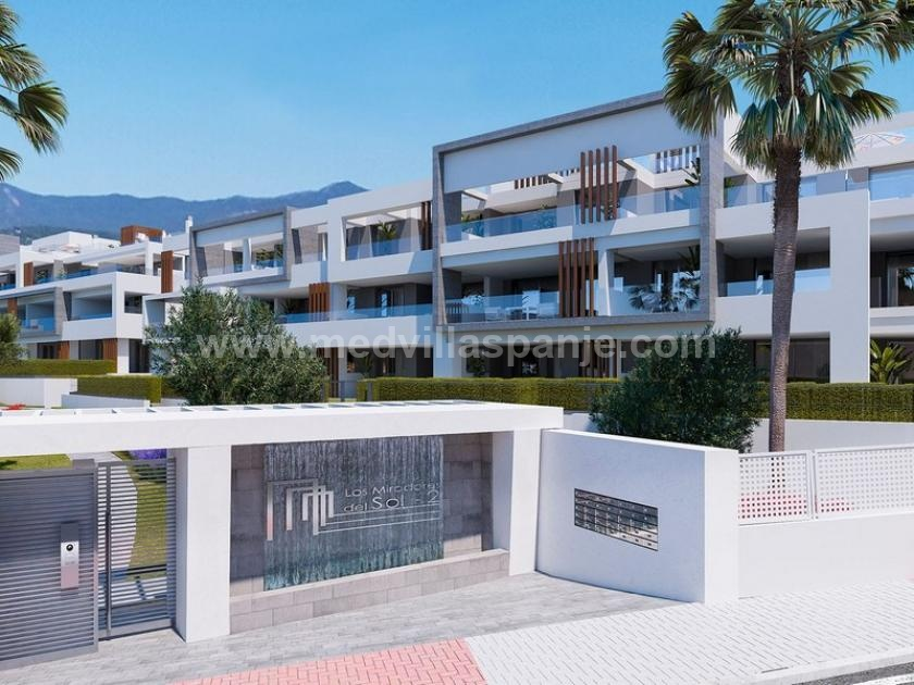 3 Slaapkamer Appartement met tuin in Estepona in Medvilla Spanje