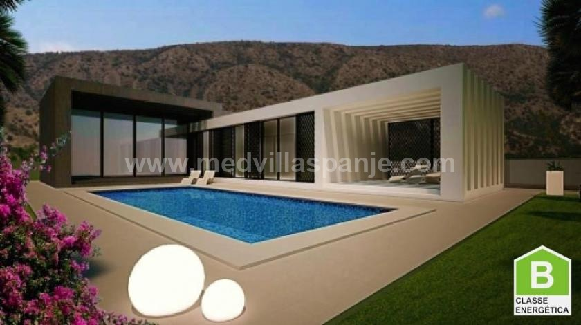 Luxe villa met drie slaapkamers en twee badkamers in Pinoso in Medvilla Spanje