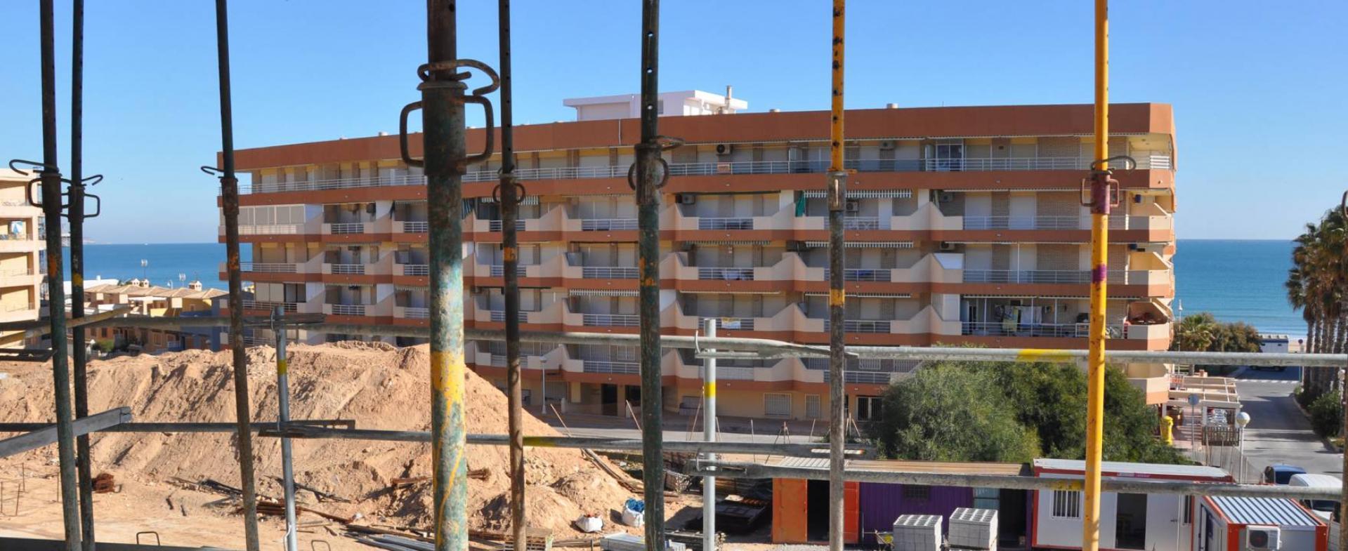 Appartementen aan het strand in Guardamar del Segura in Medvilla Spanje