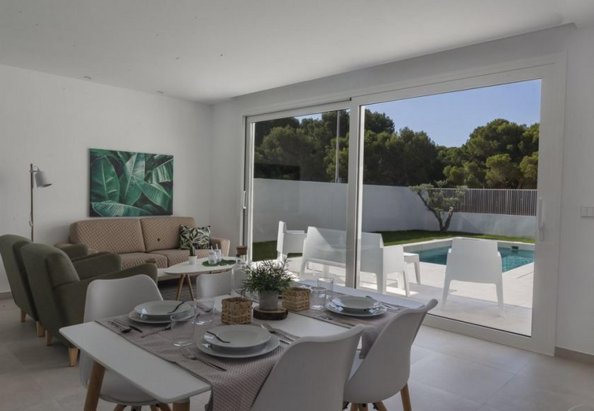 Villa's te koop in Santiago de la Ribera aan de Mar Menor in Medvilla Spanje