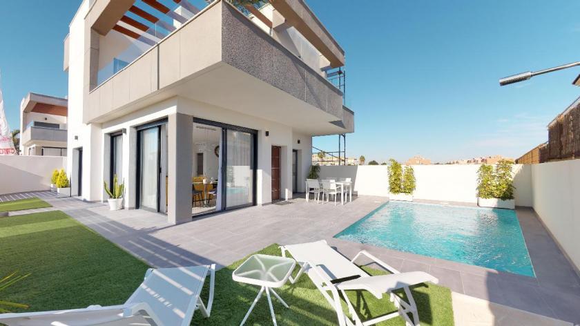Moderne villa met zwembad in Los Montesinos, La Herrada in Medvilla Spanje