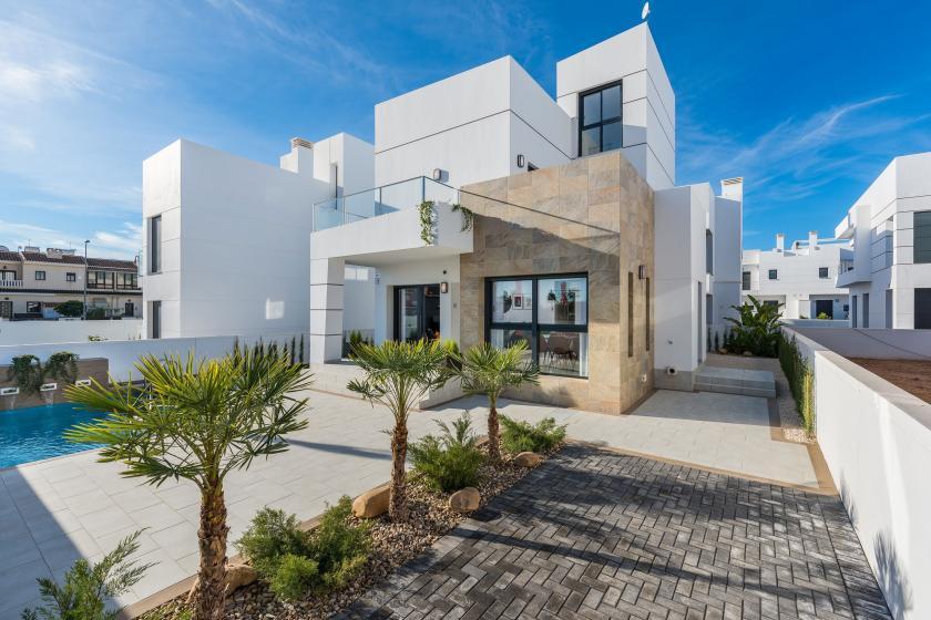 Moderne villa te koop in Los Alcazares, Costa Calida in Medvilla Spanje