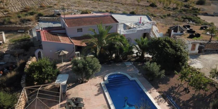 Grotwoning te koop Hondon Vallei, Alicante, Costa Blanca in Medvilla Spanje