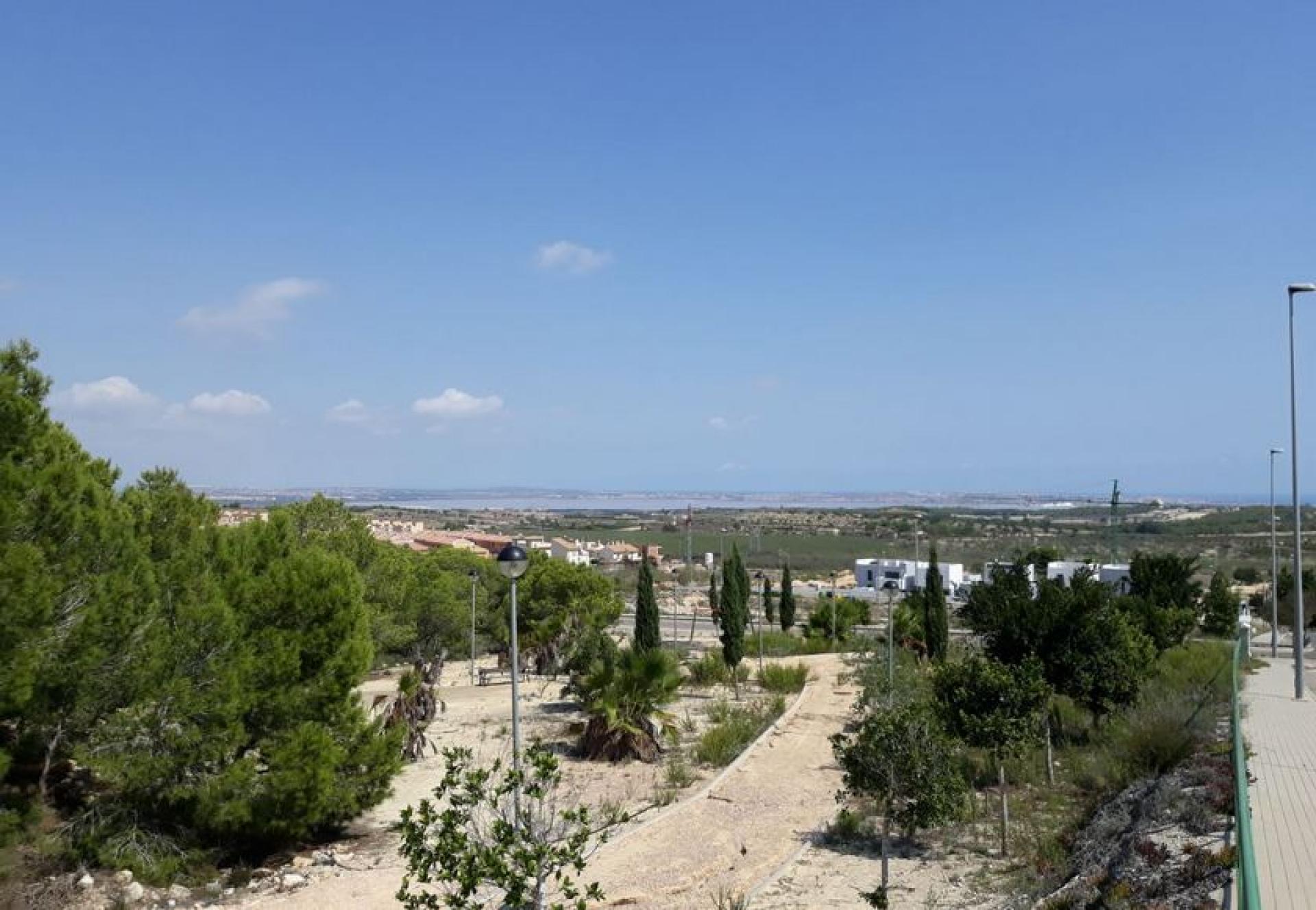 Villa op zuiden gericht in San Miguel de Salinas in Medvilla Spanje